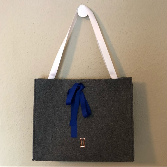 Kit and Ace Handbags - KIT & ACE (Lululemon) Gray Textile Active Tote Bag